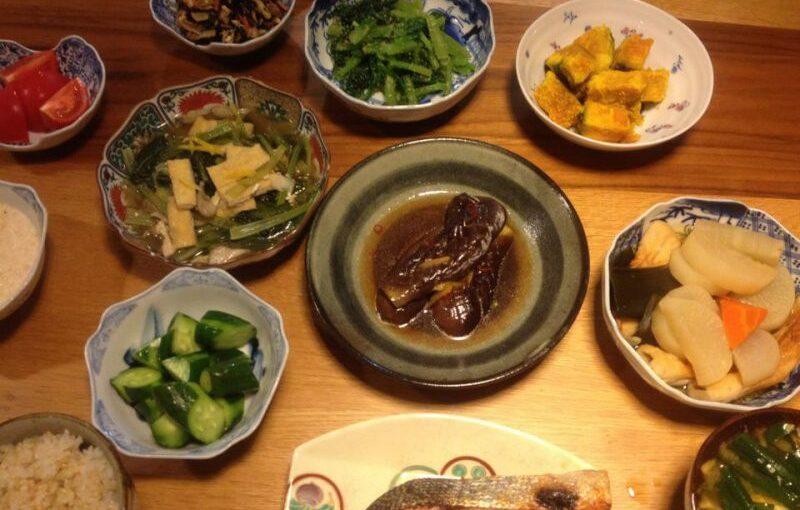 老人ホームの食事ってどんなイメージ?毎日のおいしいを追求したい